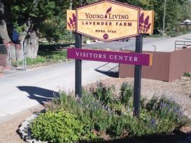 yl-farm-entrance
